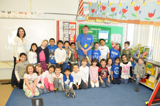 A volunteer from the Mohawk Hudson Humane Society visits Mrs. Wozniak's first grade classroom.