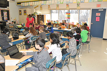 Boght Hills third grade students use Zaption to accompany a lesson on the economy.