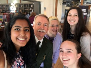 picture of students and teacher with National Park Service Director